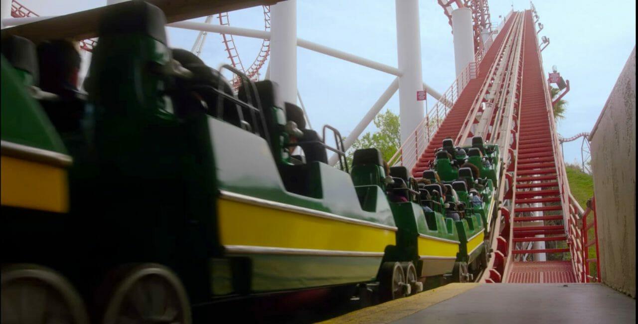 Scène au Six Flags Magic Mountain dans Lucifer